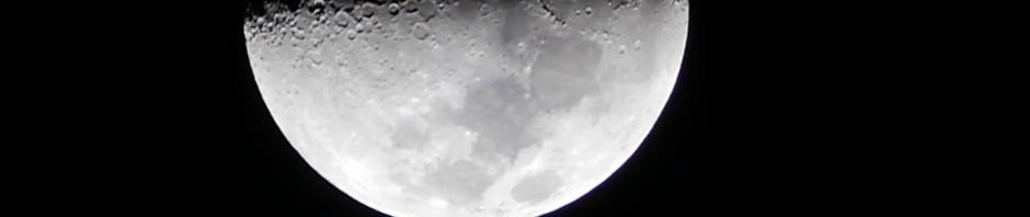 Mond über Curaçao