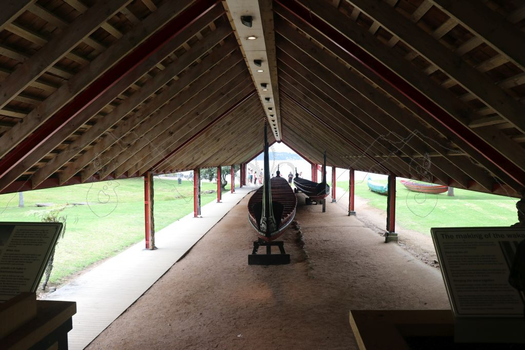 Waitangi Kriegs-Kanus (Waka)