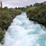 Der vom Taupo-See kommende Waikato-Fluss an den Huka-Fällen.