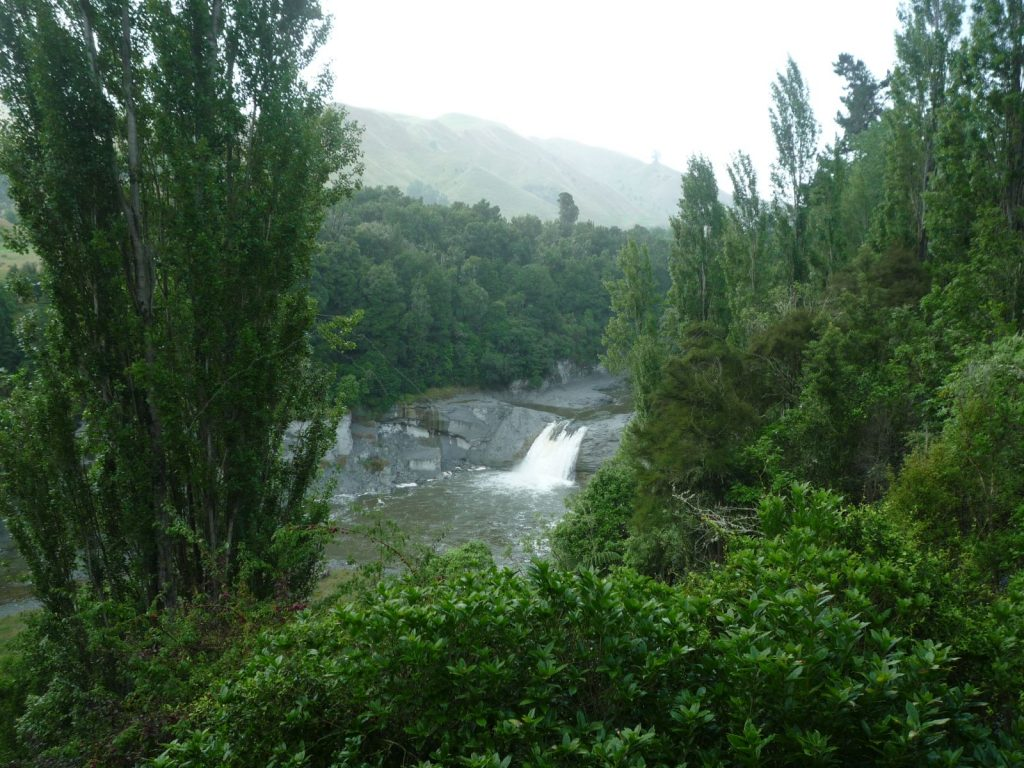 Auf dem Weg nach Wanganui – der Raukawa-Wasserfall