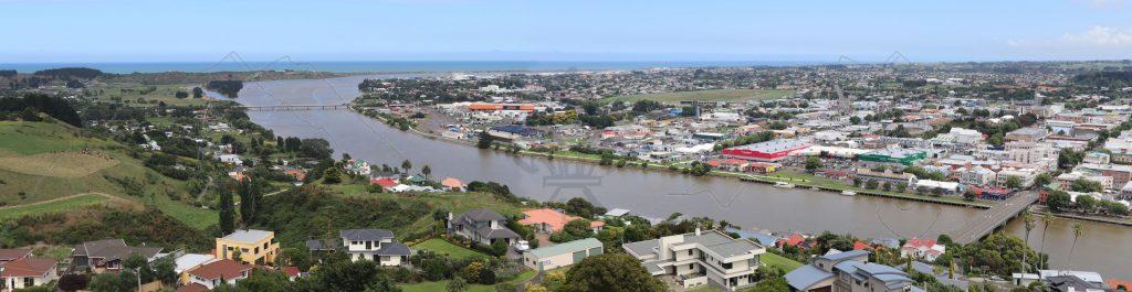 Hinter Wanganui mündet der Whanganui in die Tasman-See.