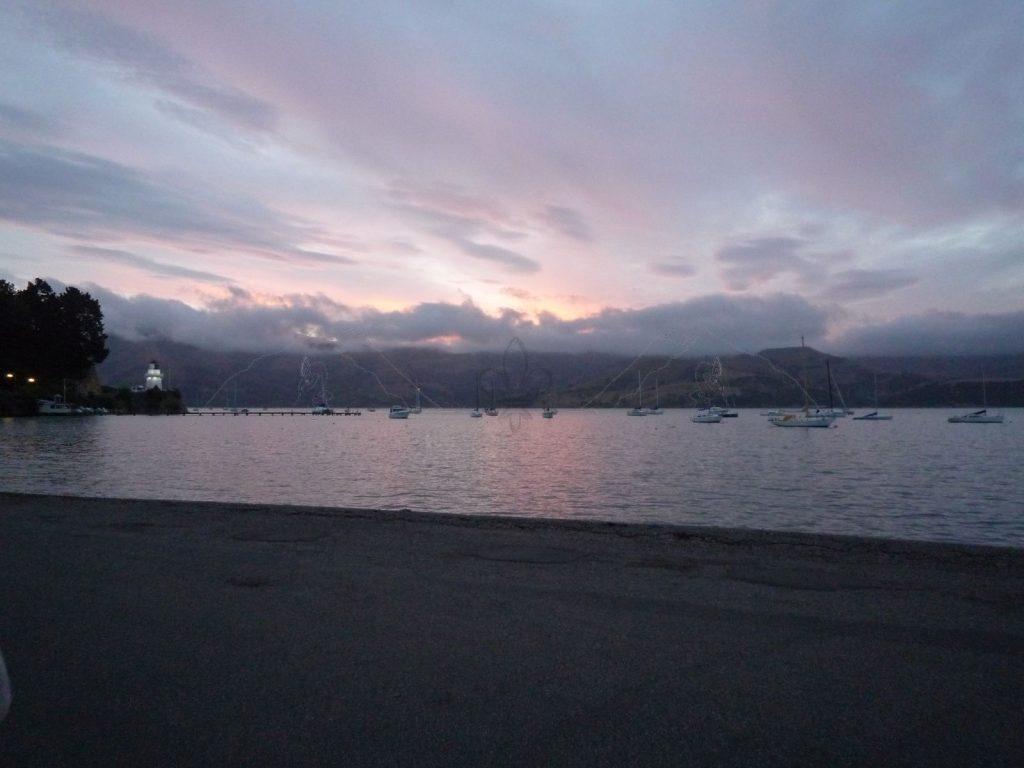 Abendstimmung am Hafen von Akaroa.